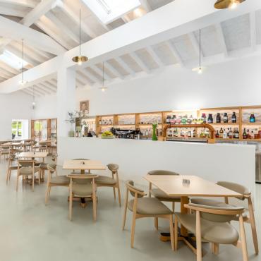 Restaurant – Photo 02